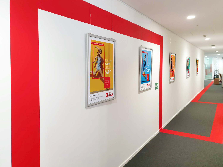 """Cadres """"clic-clac"""" suspendus pour campagnes d'affichage"""