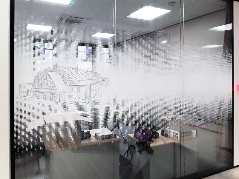 """Vitrophanie """"Les Halles de Reims"""" en impression numérique sur film adhésif incolore"""